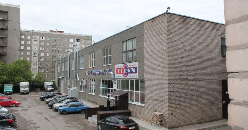 Парковка для арендаторов и клиентов офисного центра